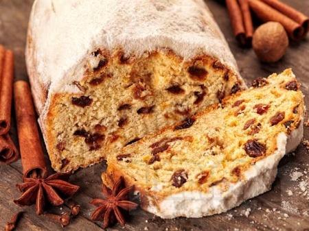 Щолен – немски коледен кекс с бадеми, стафиди и захаросани плодове (с мая) - снимка на рецептата